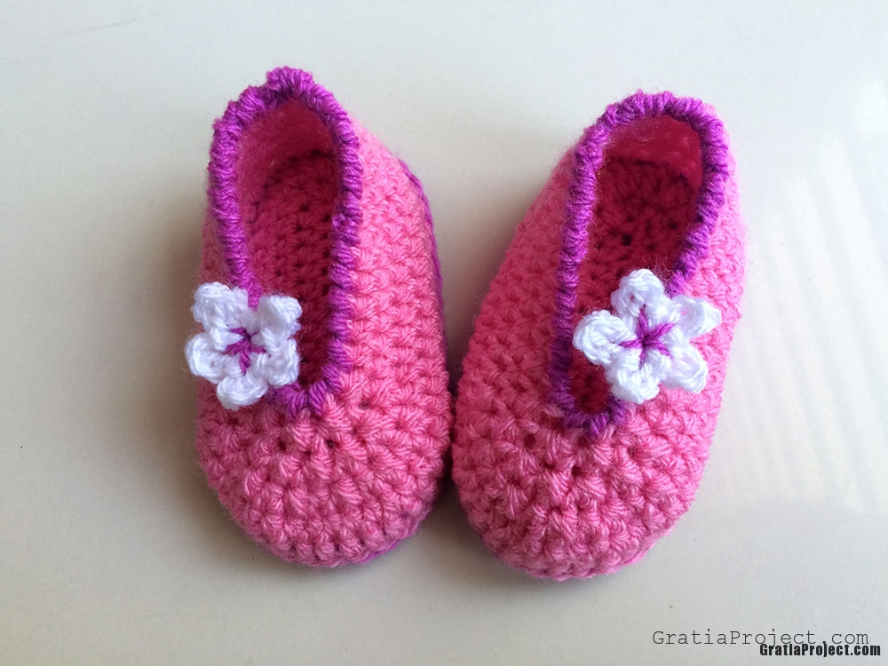 how-to-crochet-easy-baby-shoes-2